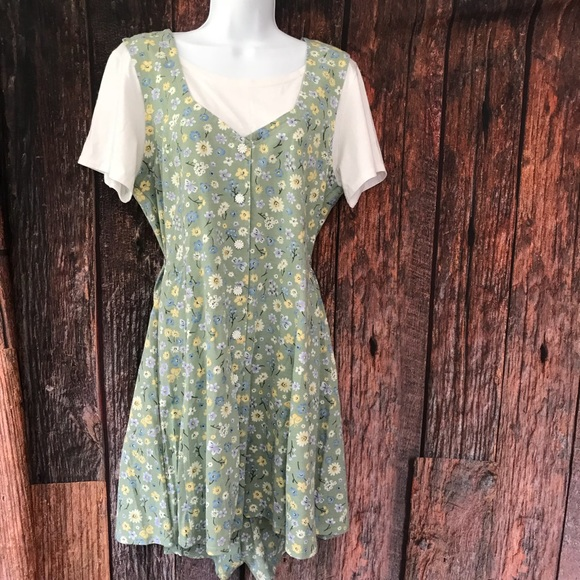 caaa8f1af5e1 Dresses   Skirts - VTG 90s Romper Skorts Floral Grunge Fashion Bug